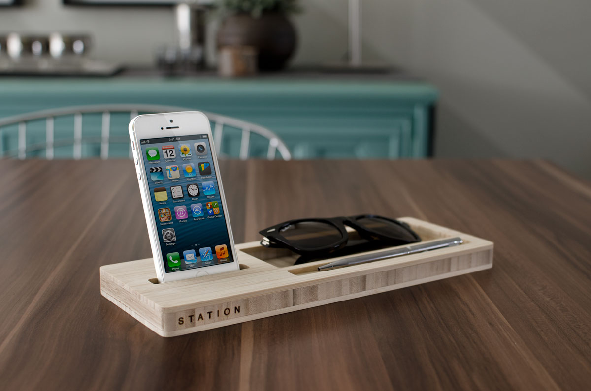 The-STATION-iPhone-dock-wood-001.jpg