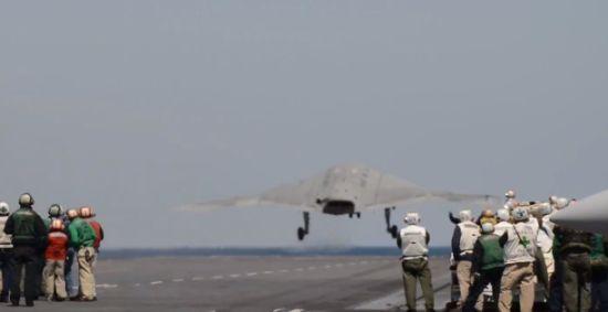 Northrop Grumman X-47B lancering vliegdekschip