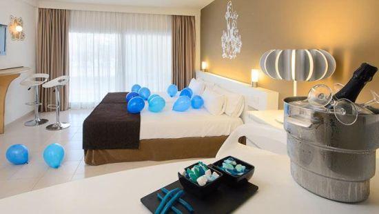 Twitter hotel
