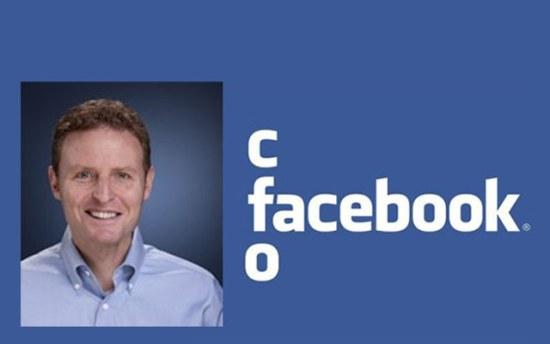 CFO Facebook doet cashen