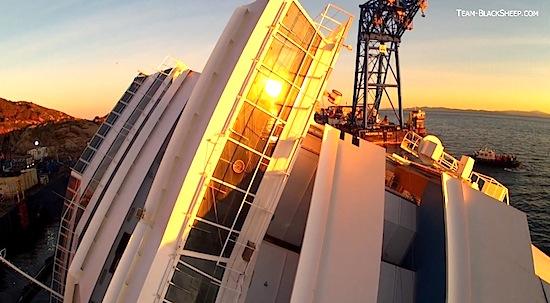 Video: bekijk de Costa Concordia door de ogen van een quadcopter