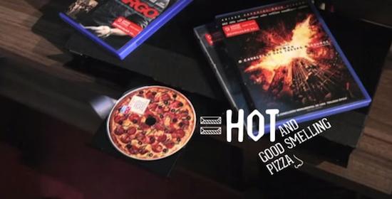 DVD ruikt naar Dominos Pizza