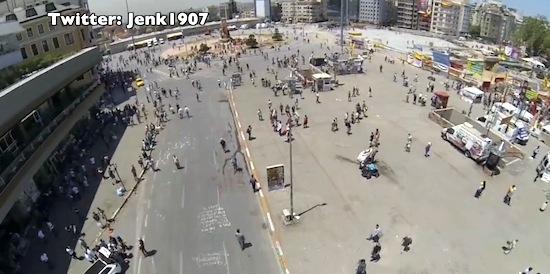 Turkse politie schiet drone boven Taksimplein neer