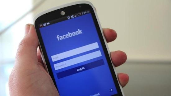 Eerste afbeeldingen 'Facebook-telefoon' gelekt