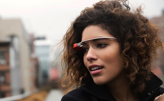 Het bekende Google Glass-meisje