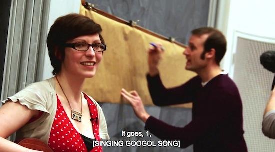 Video: Meisje zingt over Googol