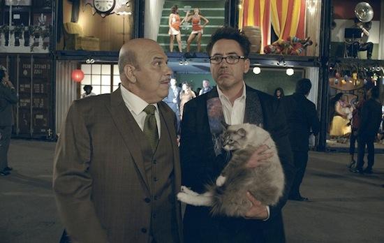 Robert Downey Jr. schittert in bizarre HTC-reclame