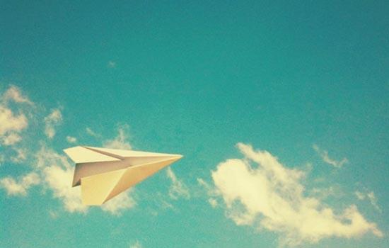Wee! Papieren vliegtuig!