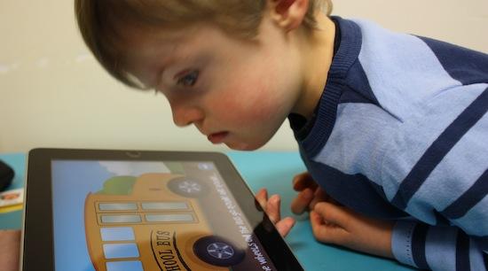 Kleuter met iPad = kindermishandeling!