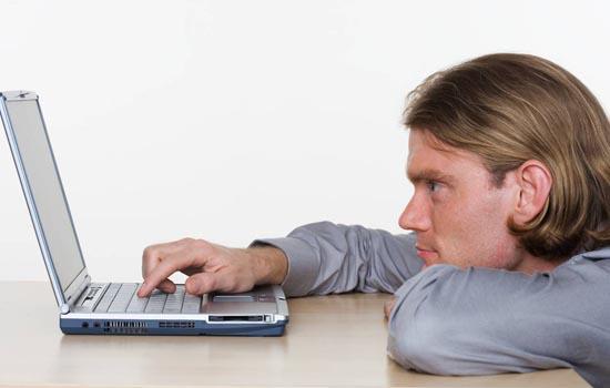 Een floppydrive op een laptop is een goede hint dat je comptuer serieus oud is