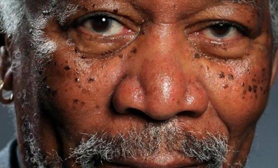 Morgan Freeman fotorealistisch natekenen op je iPad