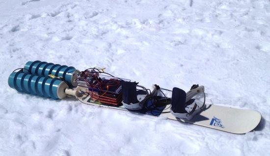 Omhoog met de snowboard wordt opeens leuk [Propul~Surf]