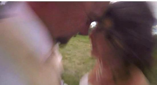 Quadcopter pleegt aanslag op bruidspaar [video]