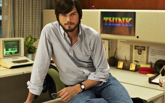 Ashton Kutcher als Steve in de film jOBS