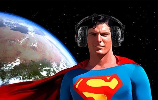 Superman met koptelefoon