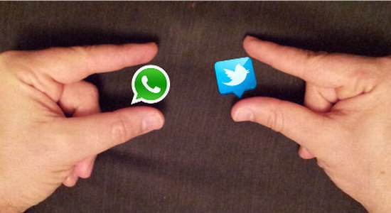 Whatsapp vs Twitter