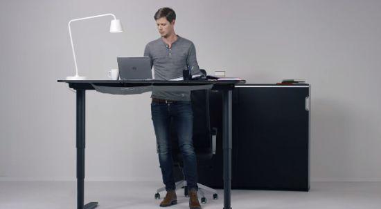 Staand En Zittend Werken Met Dit Ikea Bureau Apparata