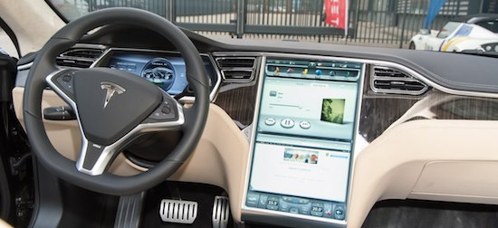 Tesla model s op afstand te openen met gehackt account for Interieur tesla model s