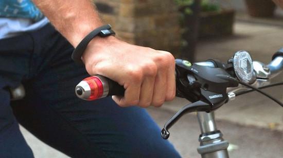 Winglights laat je makkelijk richting aangeven op de fiets