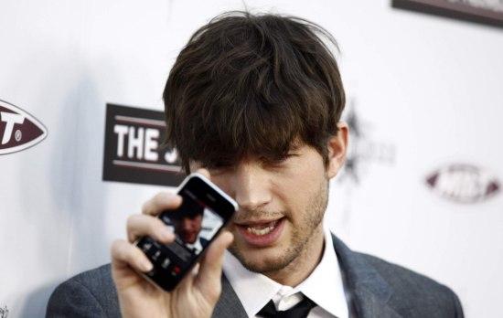 Ashton Kutcher investeert in wasdienst-app Washio