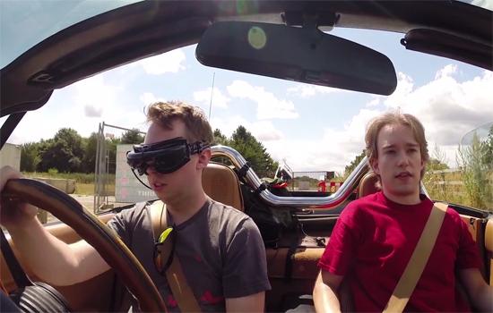 Video: Third Person autorijden met een drone en 3D bril