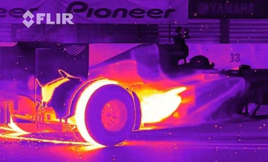 Dit zie je als een Formule 1-auto met infraroodcam wordt gefilmd