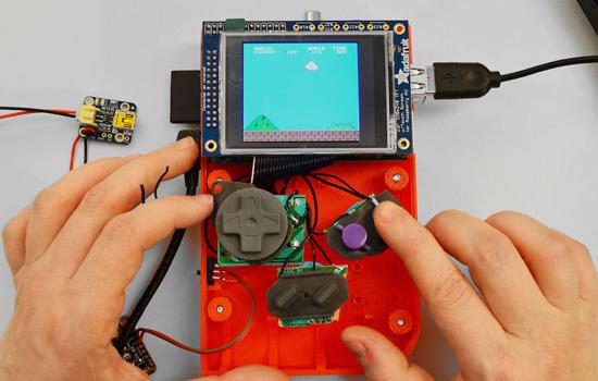 Bouw je eigen Gameboy met een 3D-printer