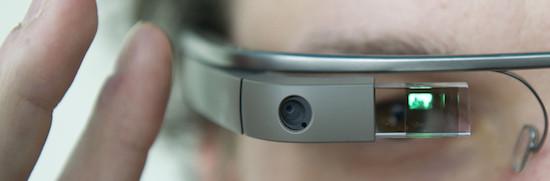 Toch geen boete voor dragen Google Glass tijdens autorijden