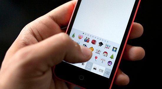 iPhone emoji keybaord