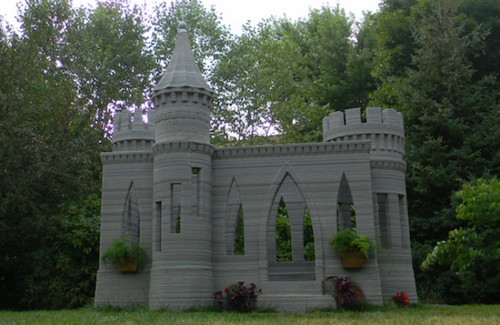 Man print zijn eigen kasteel