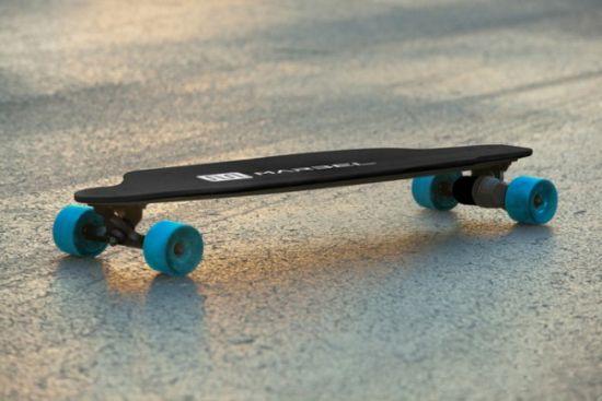 Dit elektrisch skateboard zou de lichtste in de wereld zijn