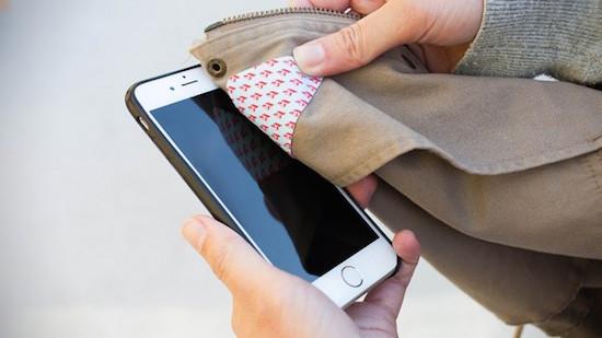 Deze strijkbare lapjes houden je telefoon altijd schoon