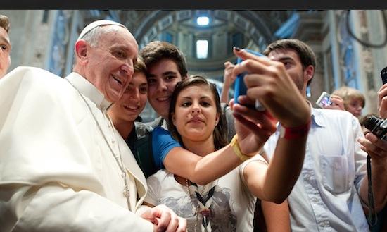Volgens de Paus zit je te veel op Twitter & Facebook