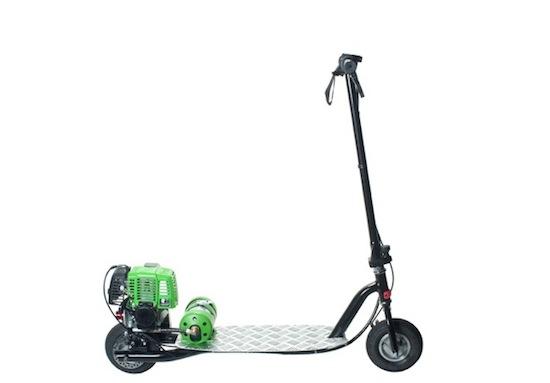 Deze kleine opvouwscooter rijdt op aardgas