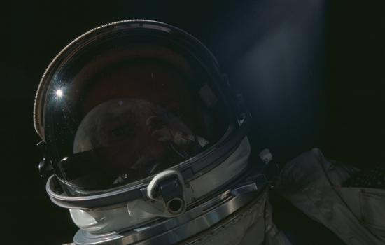 Buzz Aldrin maakt ook een selfie