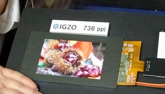 Sharp IGZO 736 ppi LCD scherm