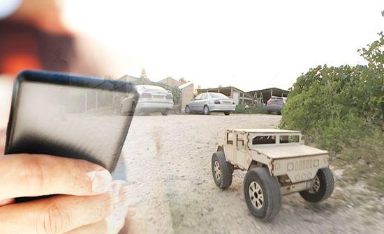 Deze houten RC-auto's kosten maar een paar tientjes