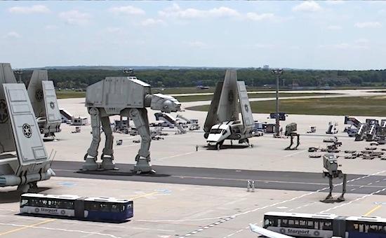 Kijk hoe Star Wars tot leven komt in dit briljante hoaxfilmpje