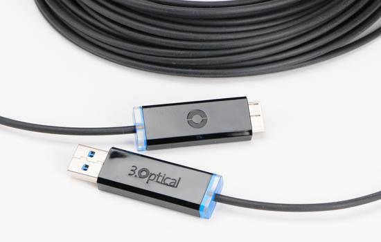 USB 3.0 optische kabel verbind met lichtsnelheid