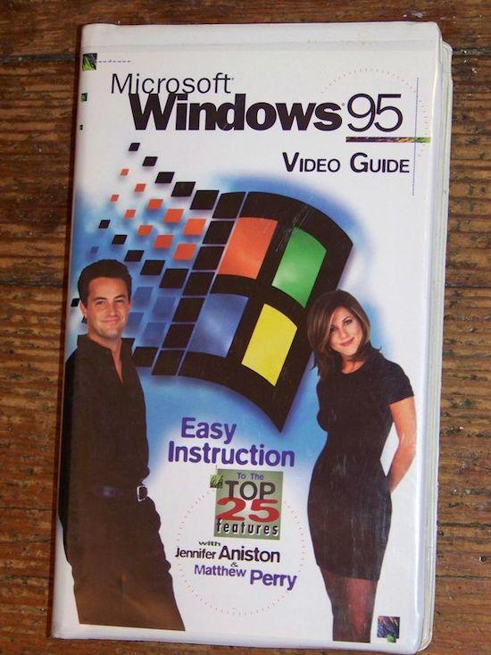 Nostalgie! Sterren van Friends leggen uit hoe windows 95 werkt