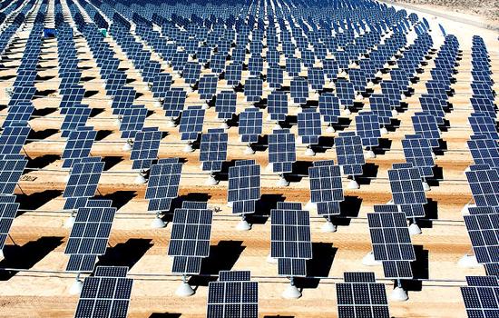 Zonnecellen koelen zichzelf om meer rendement te leveren