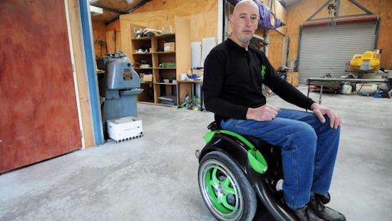 Ideaal: scheuren in een rolstoel met Segway-onderdelen