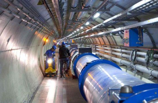 CERN-deeltjesversneller-weer-actief