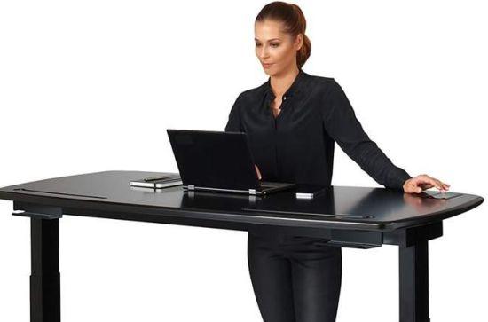 Dit slimme bureau meldt wanneer je moet gaan staan apparata