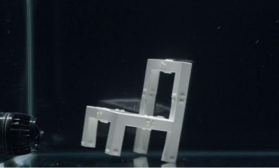Zelf-opbouwende-stoel