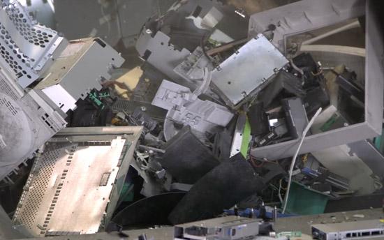 We gooien jaarlijks 42 miljard kilo aan gadgets weg