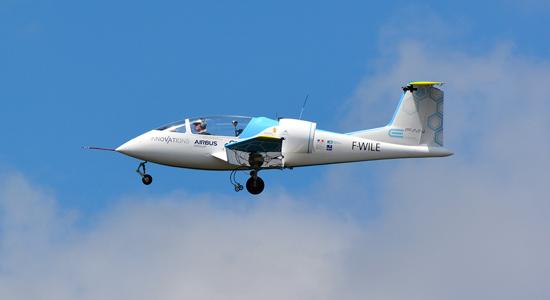 Elektrisch vliegtuig Airbus steekt het Kanaal over