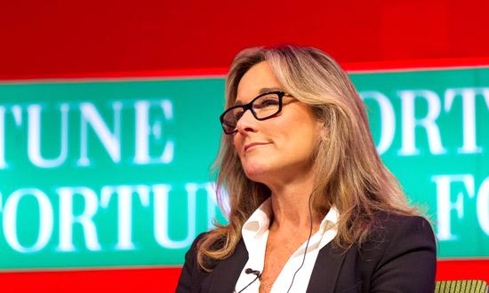 Angela Ahrendts verdiende 83 miljoen dollar bij Apple