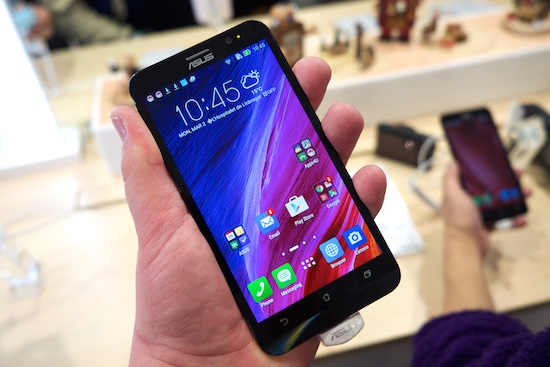 Bizar: ASUS ZenFone 2 draait Windows 7