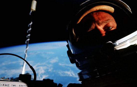 De selfie van Buzz Aldrin bracht 6.600 euro op